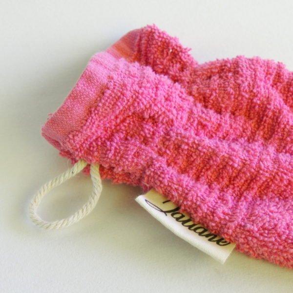 Débarbouillette, gant de toilette enfant élastiqué, 6-10 ans coloris rose avec cordon de suspension