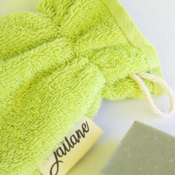 Débarbouillette, gant de toilette enfant élastiqué, 6-10 ans coloris vert clair avec cordon de suspension