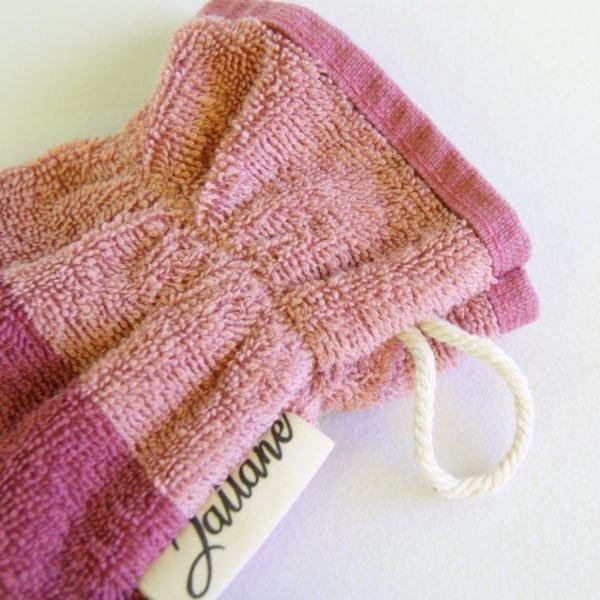 Débarbouillette, gant de toilette enfant élastiqué, 6-10 ans coloris vieux rose avec cordon de suspension