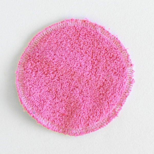 Disque à démaquiller rond, réutilisable et zéro déchet, tissu vichy rose et éponge rose