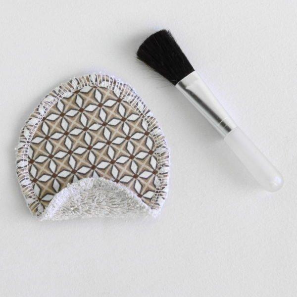 Disque à démaquiller ovale, lavable réutilisable, tissu beige imprimé géométriques et éponge beige
