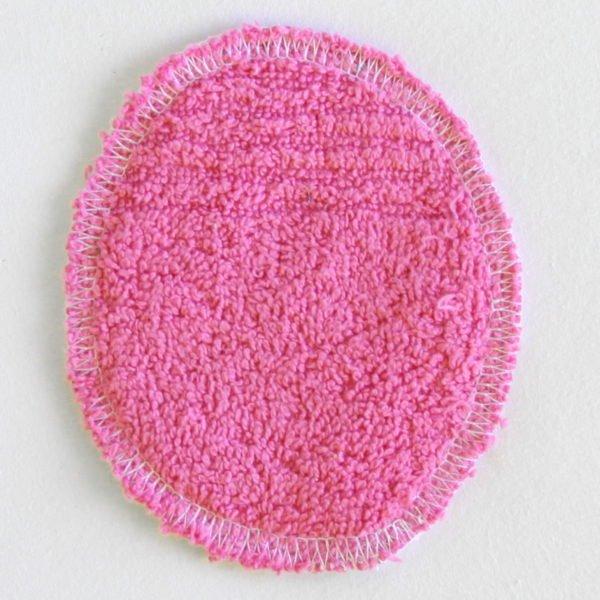 Disque à démaquiller ovale, réutilisable et zéro déchet, tissu rose et éponge rose