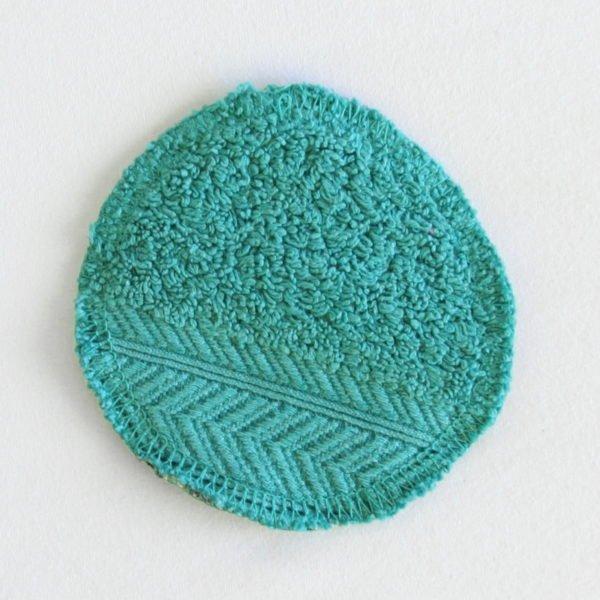 Disque à démaquiller zéro déchet lavable petit zigzag et éponge verte