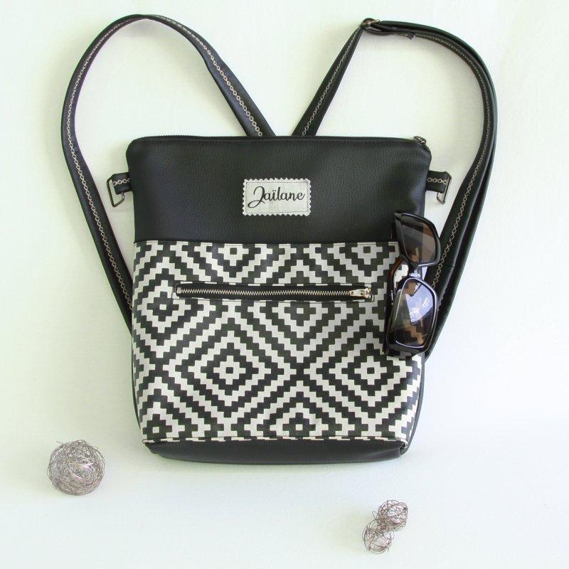 Ernestyne, le sac bandoulière transformable en sac à dos. Coloris noir et imprimés géométrique