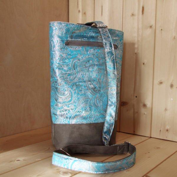 Tricotyne taille 2, sac à ouvrage pratique pour aiguilles courtes. Coloris gris et jacquard bleu, avec coupon illustré Nidillus