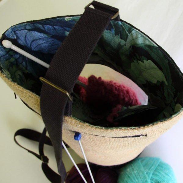 Tricotyne, le sac à ouvrage pratique pour vos aiguilles longues avec fenêtre de visualisation de l'ouvrage en cours