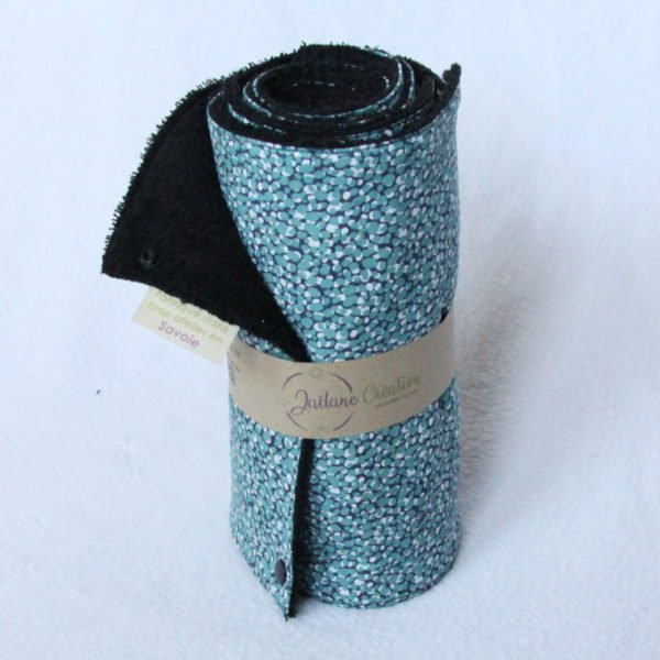 rouleau essuie tout zéro déchet éponge noir et imprimé bleu