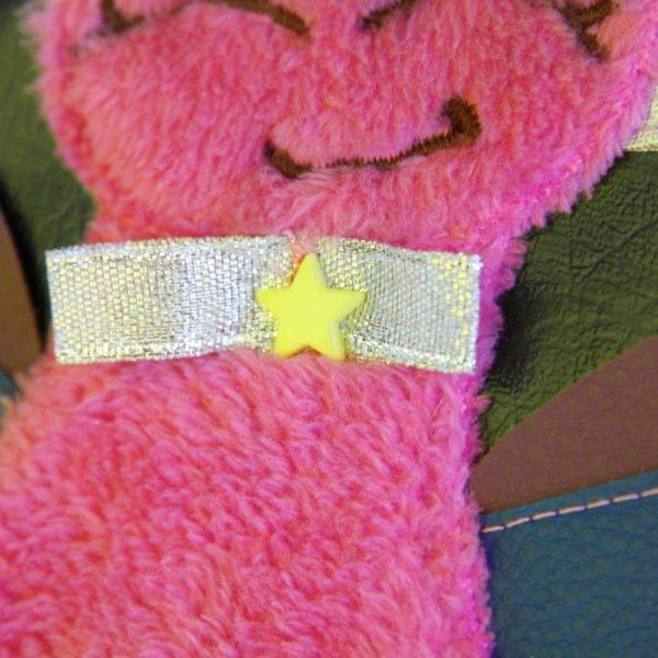 Sac à dos licorne rose, détail de la licorne en polaire rose