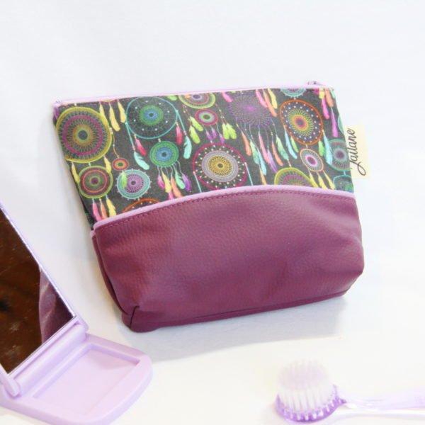 Trousse à tout en simili cuir violet et coton noir avec des attrapes rêves