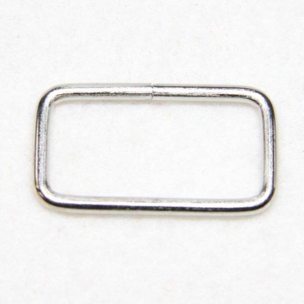 Boucle rectangulaire en métal de couleur argent en 32 mm de large