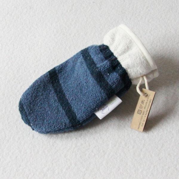 Débarbouillette ou gant de toilette enfant élastiqué 6 à 10 ans de couleur bleu rayé avec un biais blanc