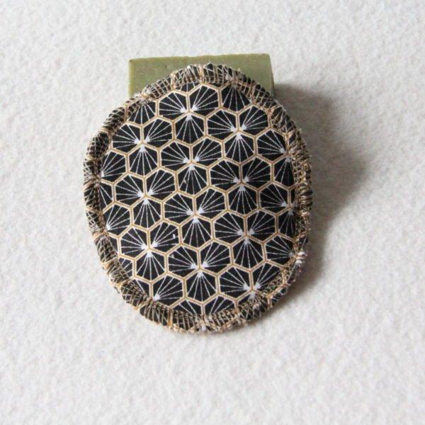 Disque à démaquiller ovale, lingette zéro déchet tissu riad noir et or & éponge beige