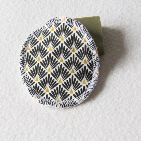 Disque à démaquiller ovale, lingette zéro déchet tissu éventails noir et or & éponge blanche