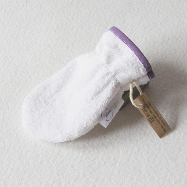 Débarbouillette ou gant de toilette enfant élastiqué 2 à 5 ans de couleur blanche avec un biais violet