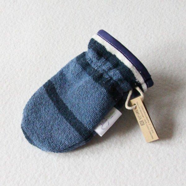 Débarbouillette ou gant de toilette enfant élastiqué 2 à 5 ans de couleur bleu et blanc rayé avec un biais bleu marine