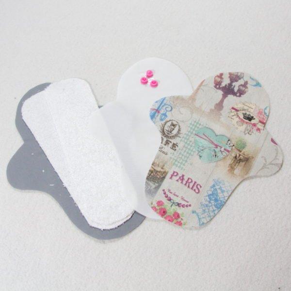 Kit prêt à coudre pour protection féminine, serviette hygiénique flux normal coloris ivoire avec motifs Paris