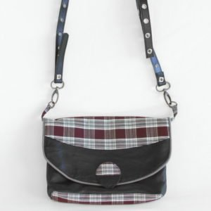 Petit sac besace en cuir noir recyclé